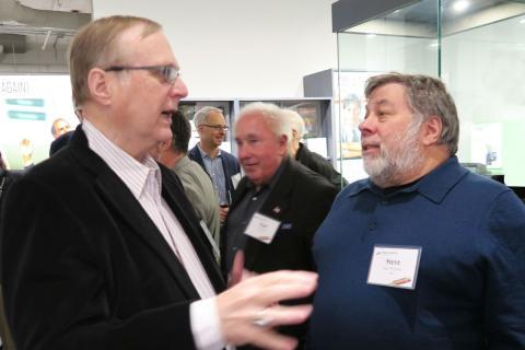 Paul Allen (izquierda), junto a Steve Wozniak.
