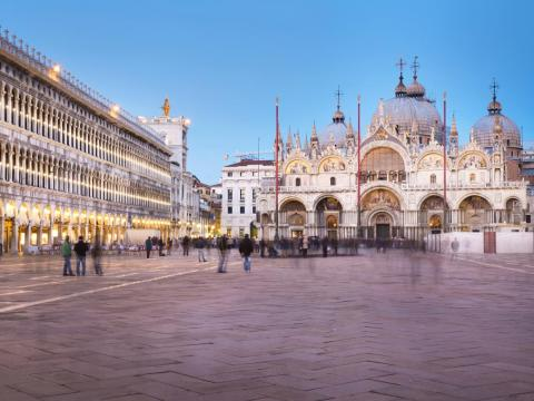 ... as well as its central square, Piazza San Marco, with the impressive St. Mark's Basilica ...