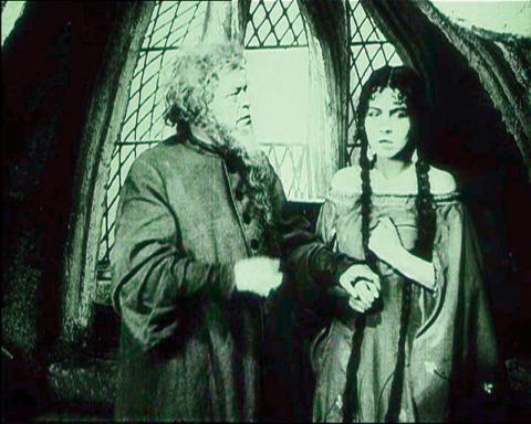 Fotograma de la película El Golem de Paul Wegener.