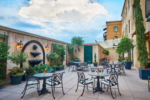 6. French Quarter Inn — Charleston, South Carolina, USA