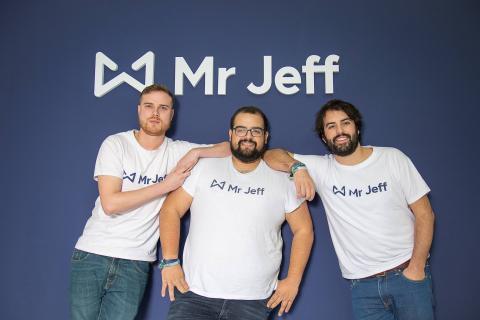 Los fundadores de Mr Jeff, una startup de lavandería y tintorería a domicilio
