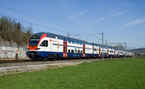 Un tren de la suiza SBB haciendo el trayecto Winterthur-Lindau.