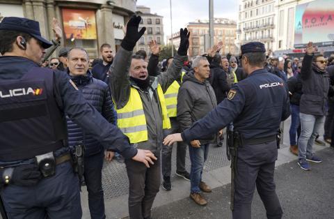 Taxistas en plena manifestación en las calles de Madrid