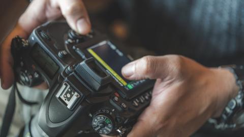 cámara réflex barata