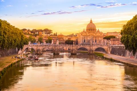 Vista de Roma desde el río.