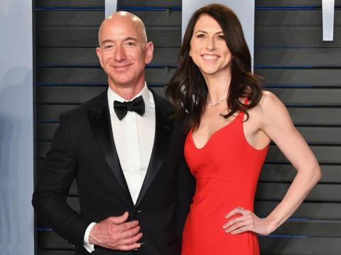 Amazon CEO Jeff Bezos announces that he is divorcing MacKenzie Bezos