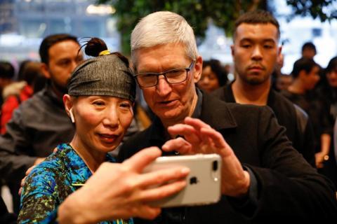 Incluso el CEO de Apple Tim Cook no podría identificar si su móvil estaba infectado.