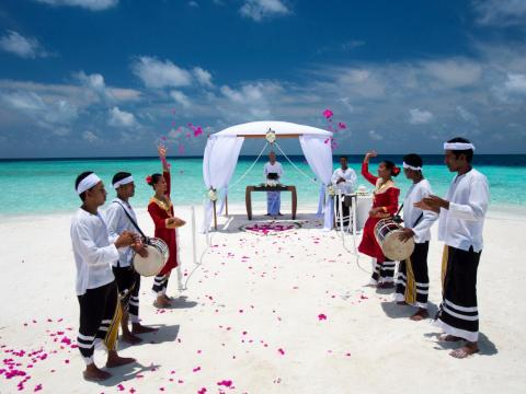 Baros also offers private vow renewal ceremonies by the sea, complete with a traditional Maldivian Bodu Beru dance procession, a traditional sarong for the bride and Baros polo shirt for the groom, a wedding cake, a memorial palm