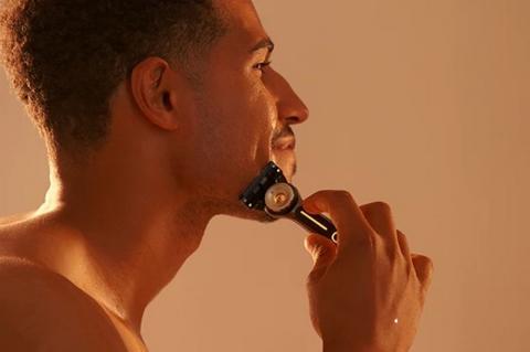 Gillette prueba una cuchilla de afeitar que calienta tu piel a 50 grados