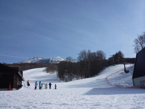 During the winter, Aomori is a popular tourist destination. People come from all over to visit the ski resorts.