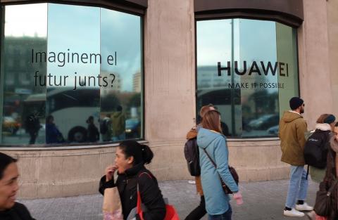 Espacio Huawei en Barcelona — Plaza Cataluña