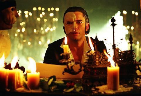 Fotograma de la película El fantasma de la Ópera (2004) protagonizada por Gerard Butler.