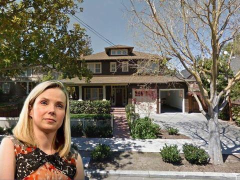 Marissa Mayer, ex directora ejecutiva de Yahoo, es propietaria de una casa relativamente modesta en Palo Alto, cuyo valor se estima en 5,2 millones de dólares.