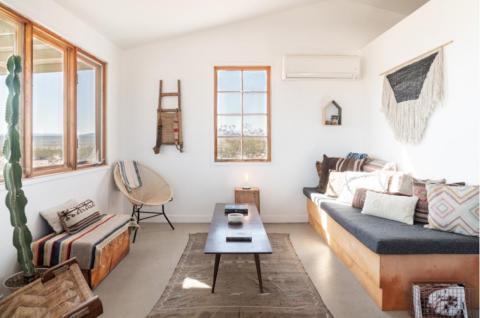 El interior de la casa de Airbnb incluye toneladas de servicios.