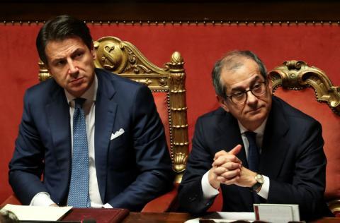 El primer ministro italiano, Giuseppe Conte, y su ministro de Economía, Giovanni Tria, comparecen en el Pârlamento de Roma