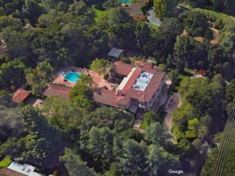 Marc Andreessen, el inversor de capital de riesgo e inventor del navegador web Netscape, reside en una casa californiana de tres habitaciones y cuatro baños que tiene un valor de 24 millones de dólares.
