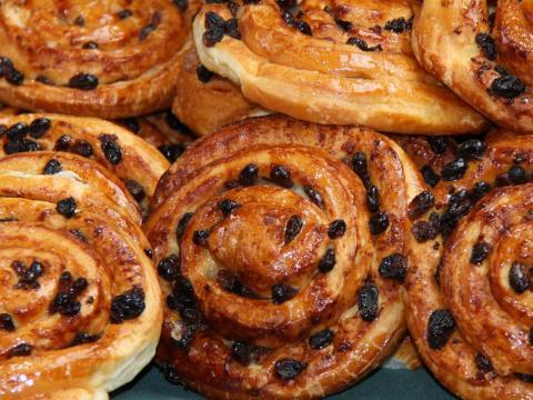 Te puedes fatigar después de comer pasteles para desayunar.