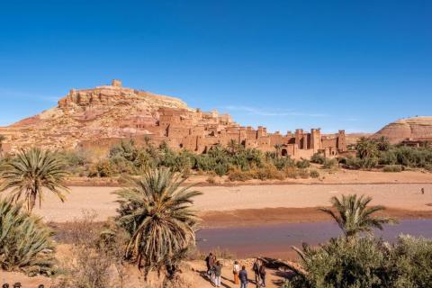 En un reciente viaje por carretera de Marrakech a Fez, decidí hacer una parada en Ait Ben Hadu para echar un vistazo.