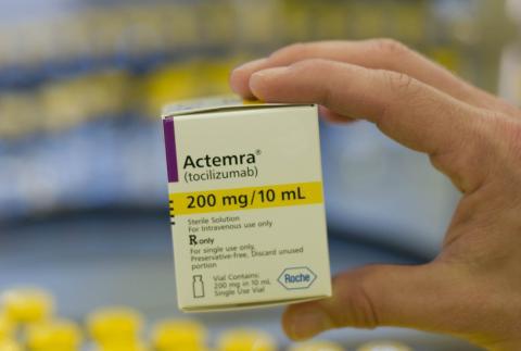 Una caja de Actemra, un medicamento de Roche
