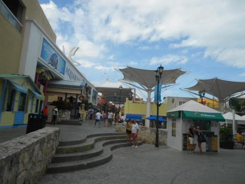 The same goes for La Isla Shopping Village…