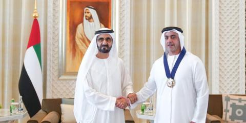 [RE] El emir con el teniente Sheikh Saif bin Zayed al-Nahyan.