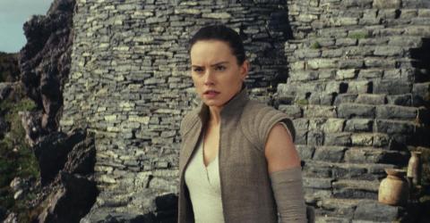 """8. """"Star Wars: The Last Jedi"""" (2017)"""