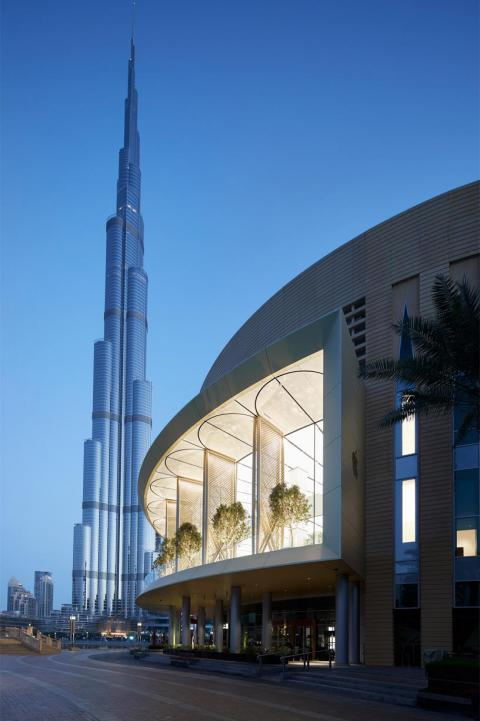 Steps away from the world's tallest building, the Burj Khalifa, is one of Apple's two Dubai locations.