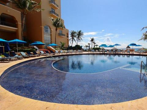 When you think of Cancún, you probably think of stunning oceanfront resorts…