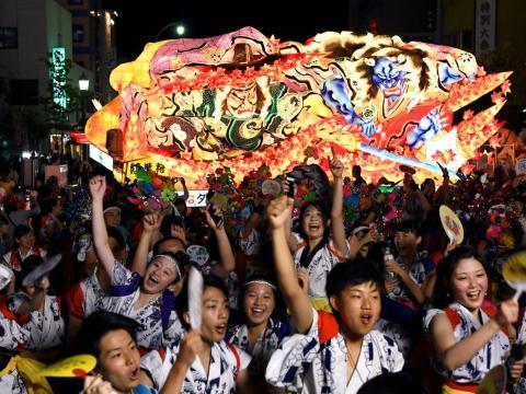 While the summer in Aomori promises festivals like the colorful Aomori Nebuta Festival seen here ...