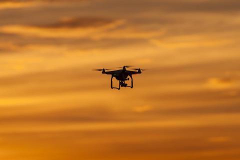Los drones pueden ser una distracción para los miembros de la tripulación.