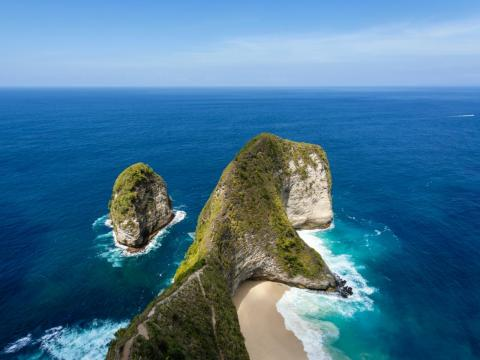 Kelingking Beach, Nusa Penida, Bali, Indonesia.