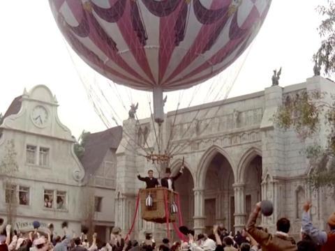 """Around the World in 80 Days"" fue dirigida por Frank Coraci."