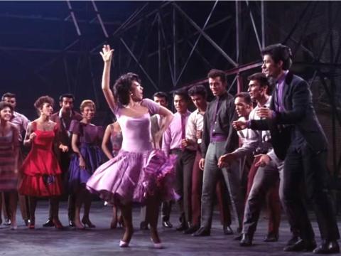 """West Side Story"" fue dirigida por Jerome Robbins and Robert Wise."
