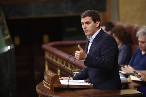 Albert Rivera enumera en el Congreso.