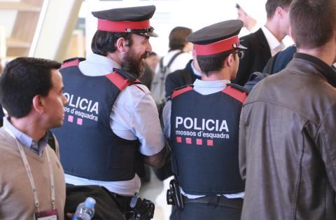 Policía en el MWC