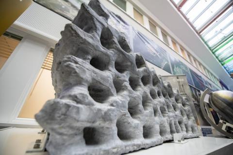 Muro impreso con polvo lunar