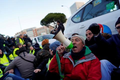 Taxistas protestando contra la regulación de los vehículos VTC en Madrid, el 28 de enero de 2019.