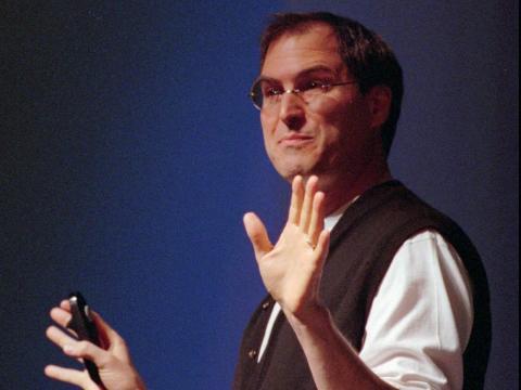 El difunto CEO de Apple, Steve Jobs, nunca terminó la universidad.