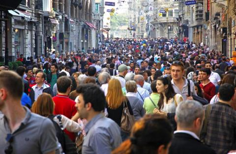 The average commuter in Istanbul spends 59 hours every year in traffic.