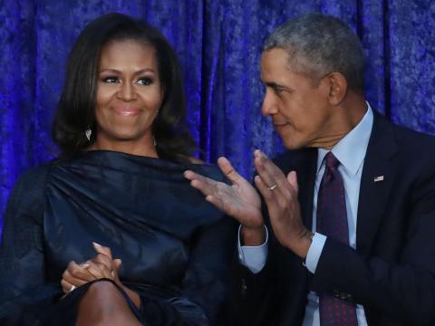 Barack aplaude a Michelle