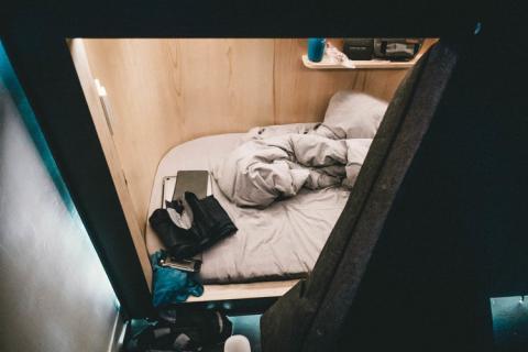 cama en el hotel cápsula SLEEEP en Hong Kong