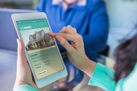 Una casa en venta se anuncia en una plataforma online