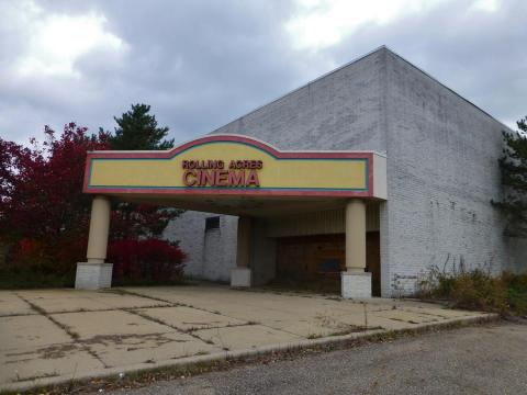 This cinema was added to the mall around 1977.