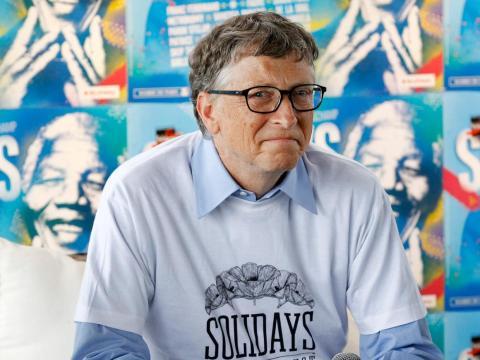2. Basándose en la cantidad de dinero que Gates obtuvo el año pasado, gana aproximadamente 380 dólares por segundo, de acuerdo con los cálculos de Business Insider.