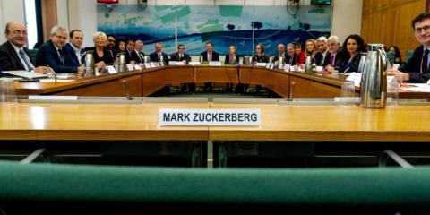 La silla vacía de Mark Zuckerberg en Westminster.