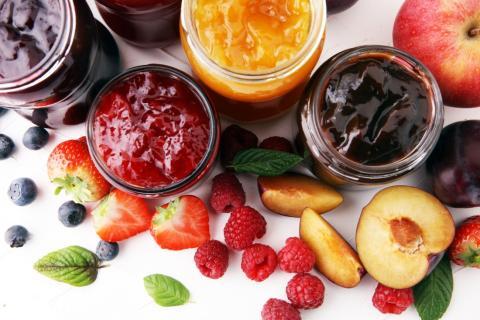 Mermelada y fruta