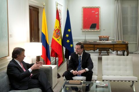 Mariano Rajoy durante su mandato como Presidente del Gobierno en el despacho de La Moncloa junto a Juan Manuel Santos, presidente de Colombia, el 22 de enero de 2014.