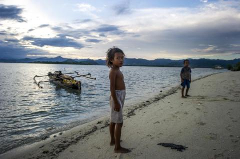 Morgan says that when the current generation of Bajau die, there will be none who live at sea. In recent years, Bajau youth leave the boats in search of work in the cities as soon as they are old enough.