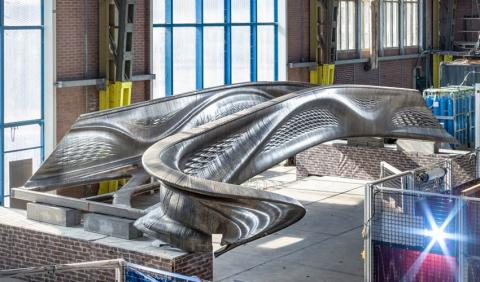 Puente impreso en acero