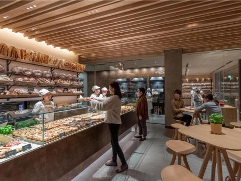 Like other Roasteries, the location houses a Princi bakery, serving baked breads, pizzas, salads, and more.